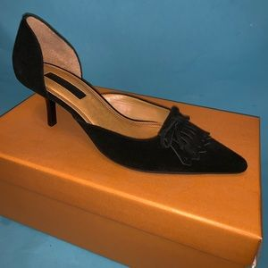 Unisa Velma black sued pumps